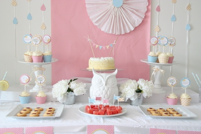Sweet table blog de deco fete anniversaire baby shower for Decoration murale gourmandise