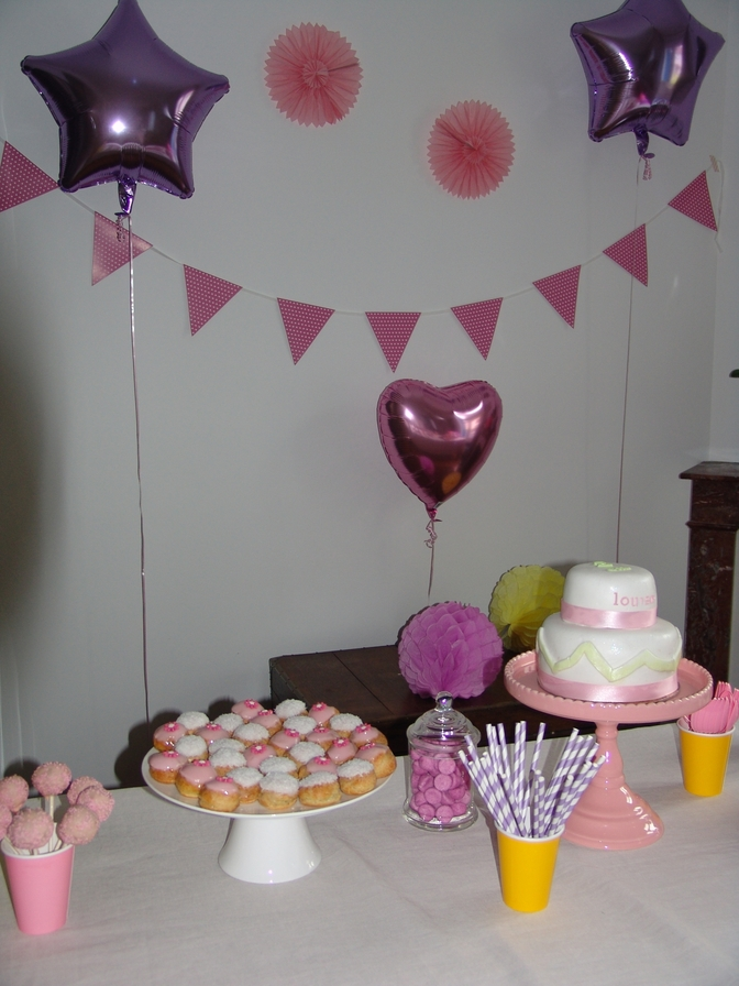 les 2 ans de louise les anniversaires sweet party day. Black Bedroom Furniture Sets. Home Design Ideas