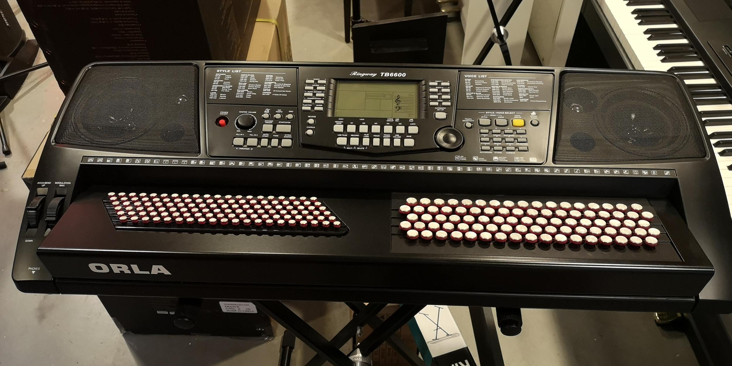 Synthé arrangeur ORLA KX 10 Accordéon touches boutons