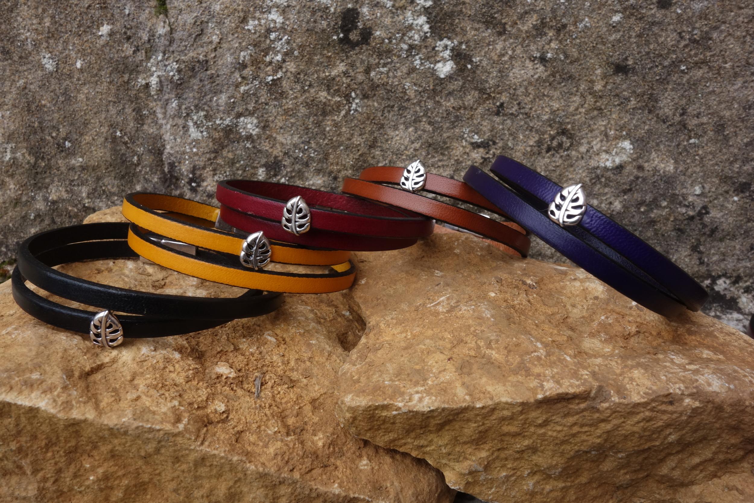 Bracelet cuir fin motif Feuille