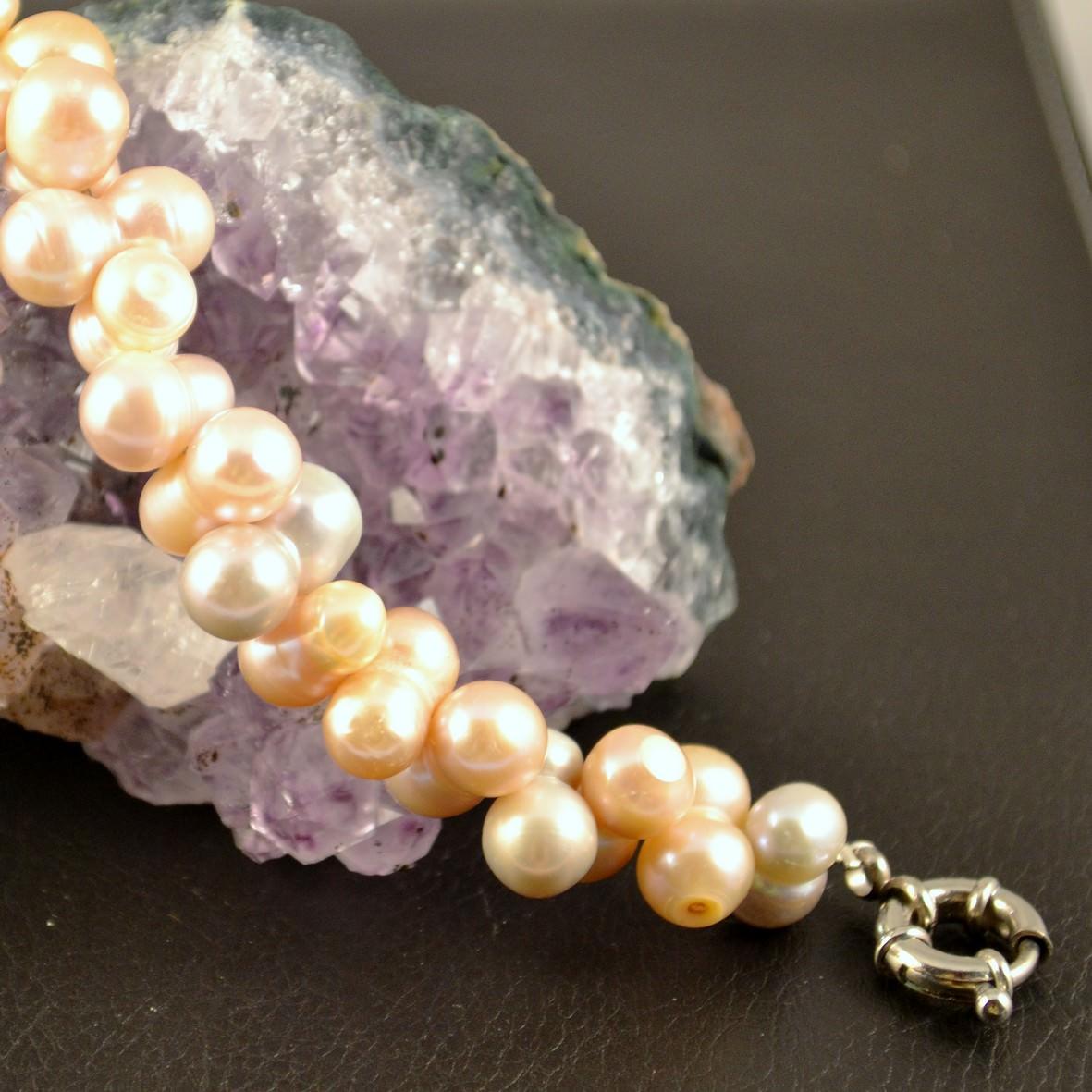 Bracelet perle d\'eau douce ronde jumelle croisée rose