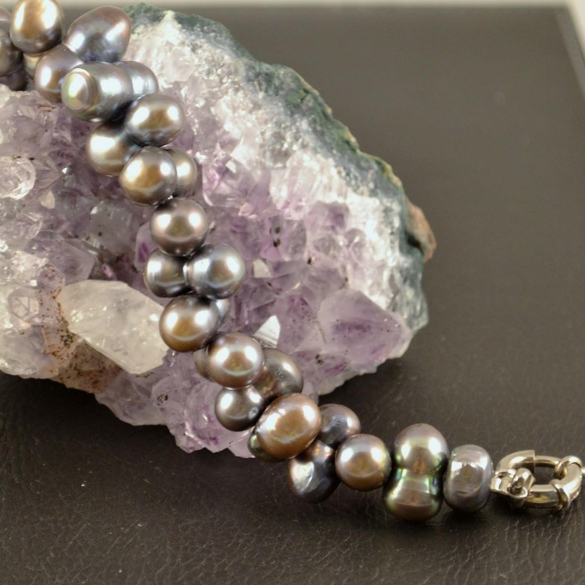 Bracelet perle d\'eau douce ronde jumelle croisé noir