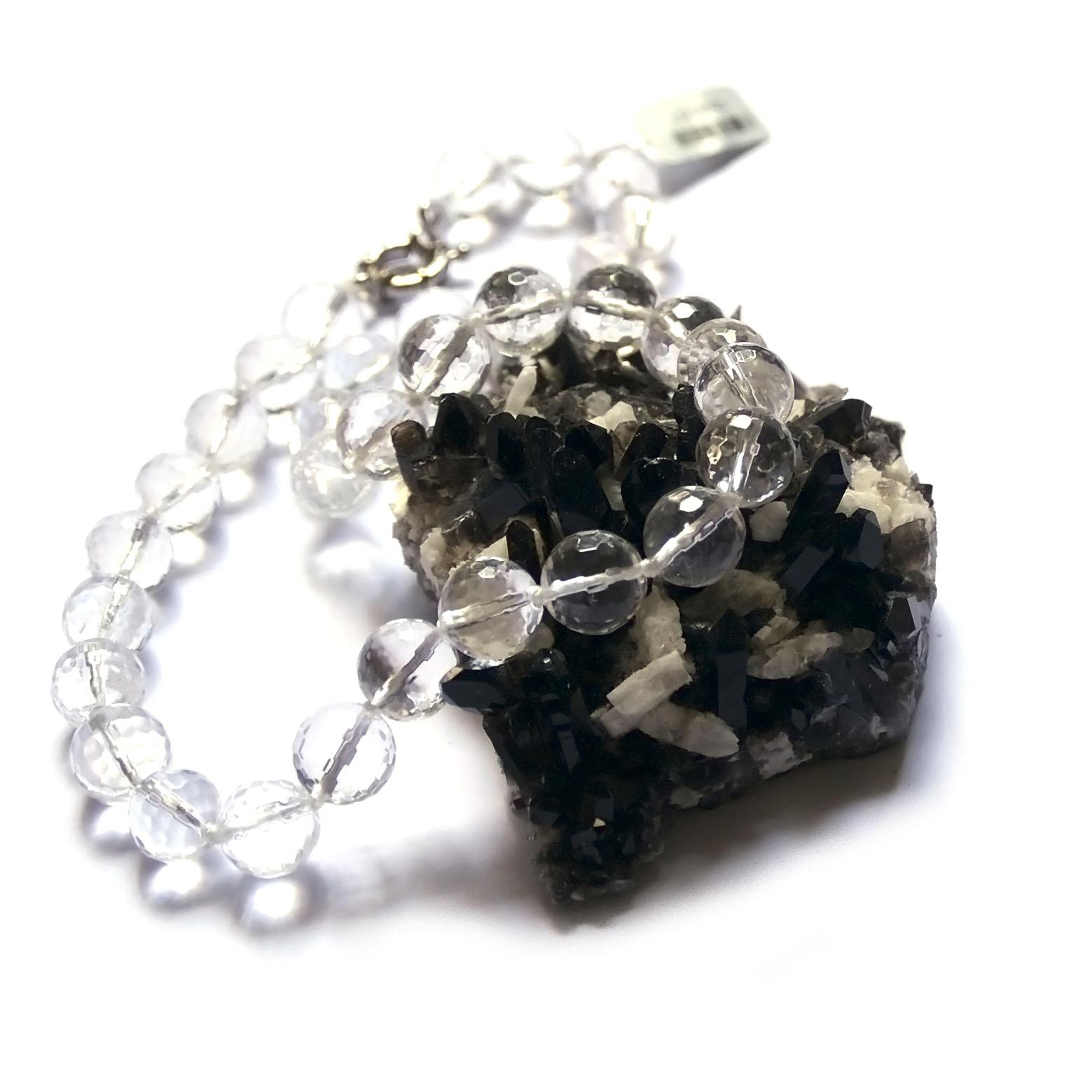 collier cristal de roche ,ronde facettée 12 mm