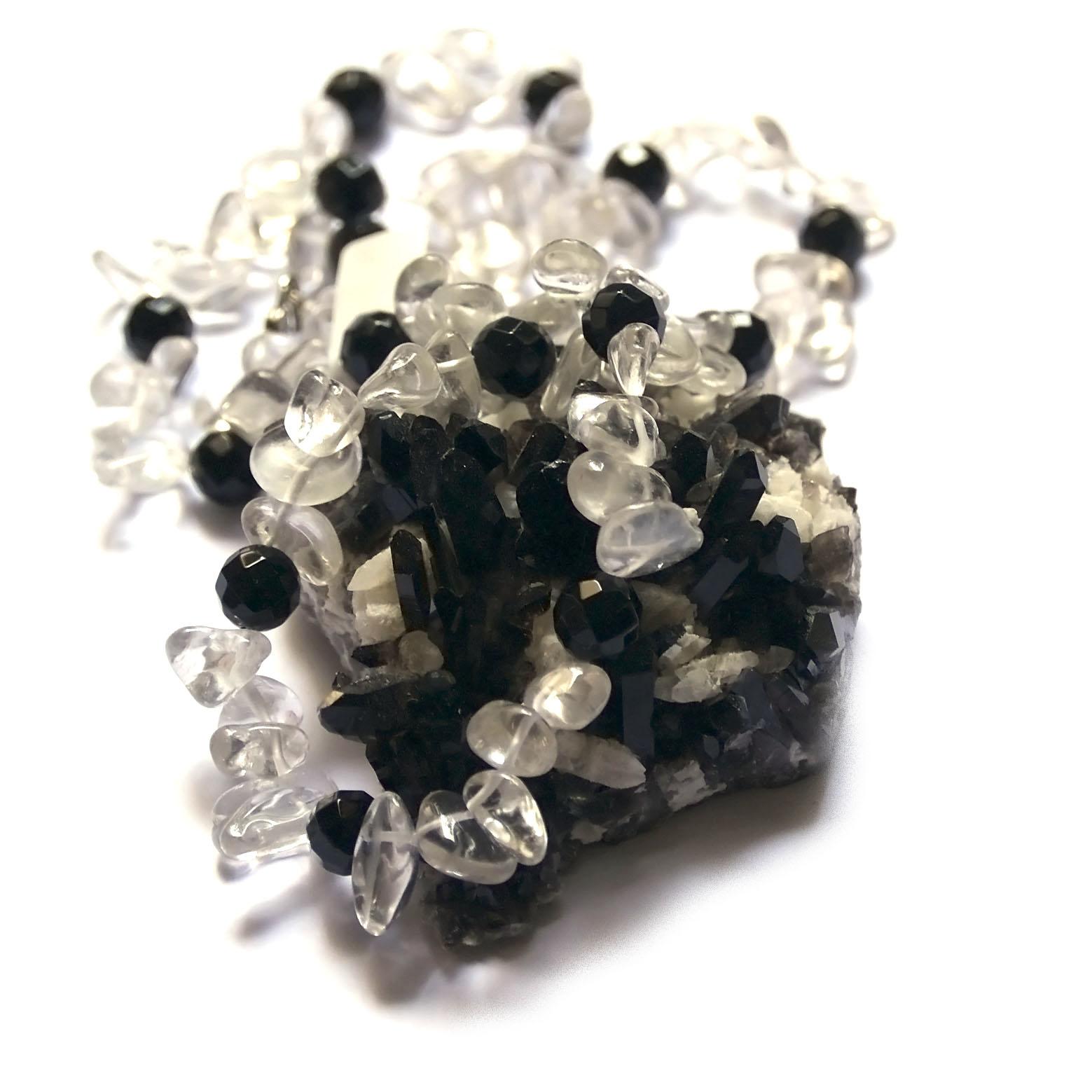 collier long onyx - quartz , Ts baroque - ronde 10 mm