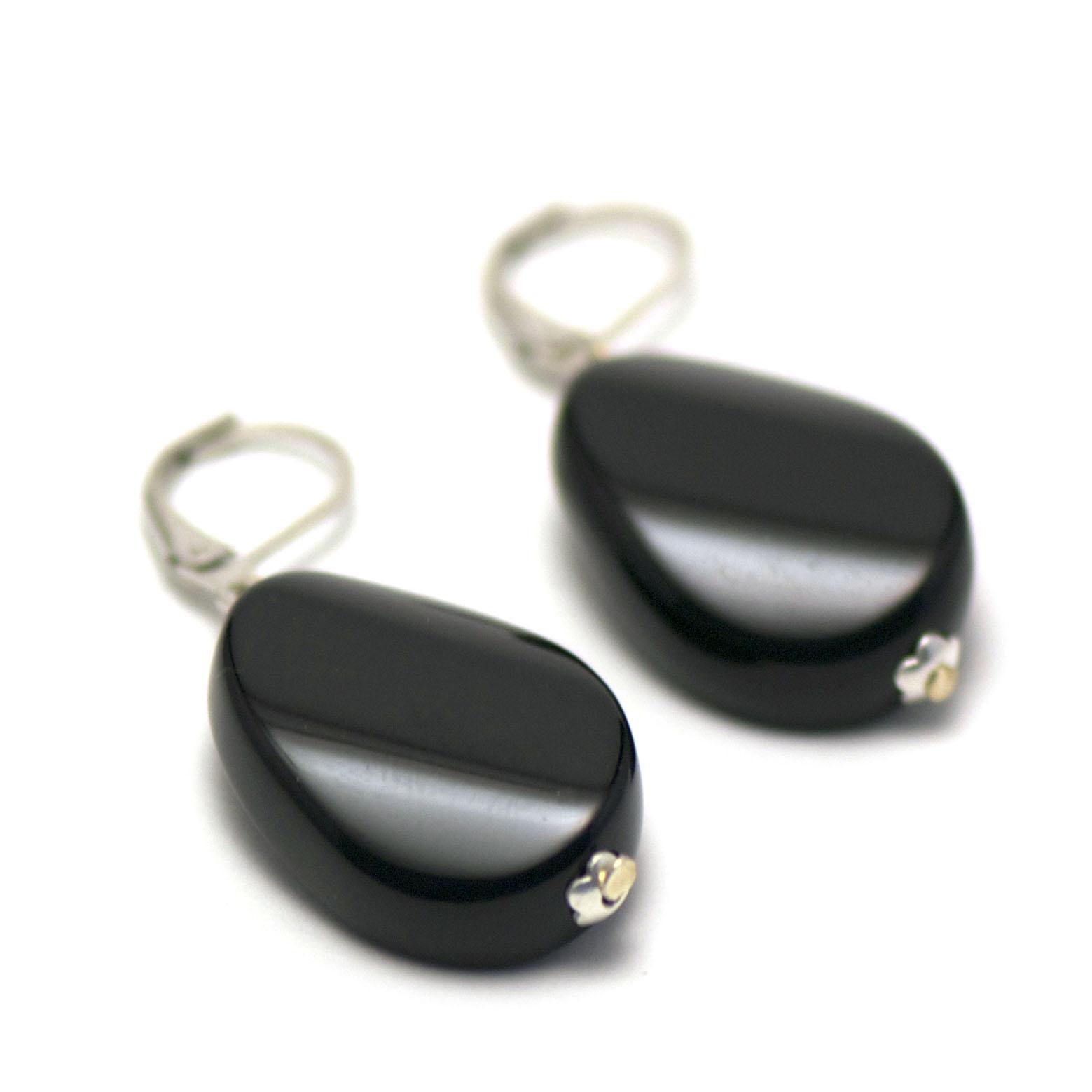 boucle d\'oreille onyx , perle palet oval torsadé