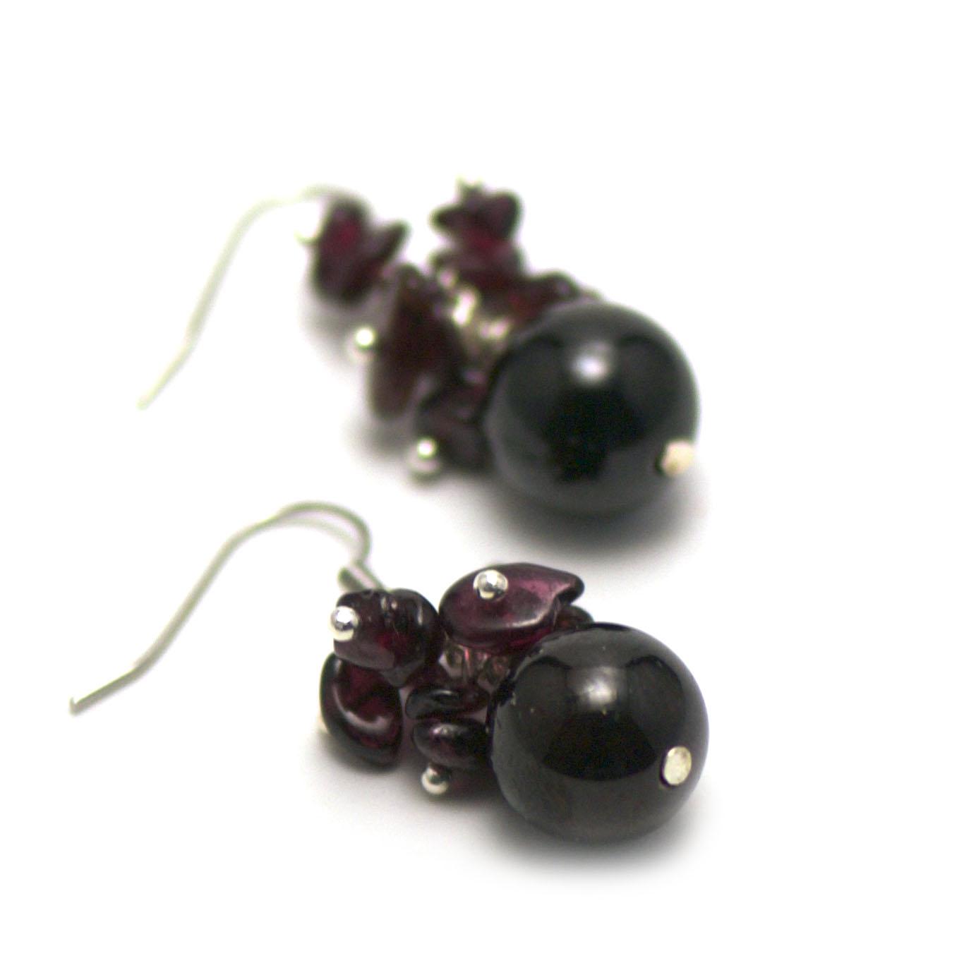 boucle d\'oreille grenat ,  grappe de raisin-perle ronde 13 mm