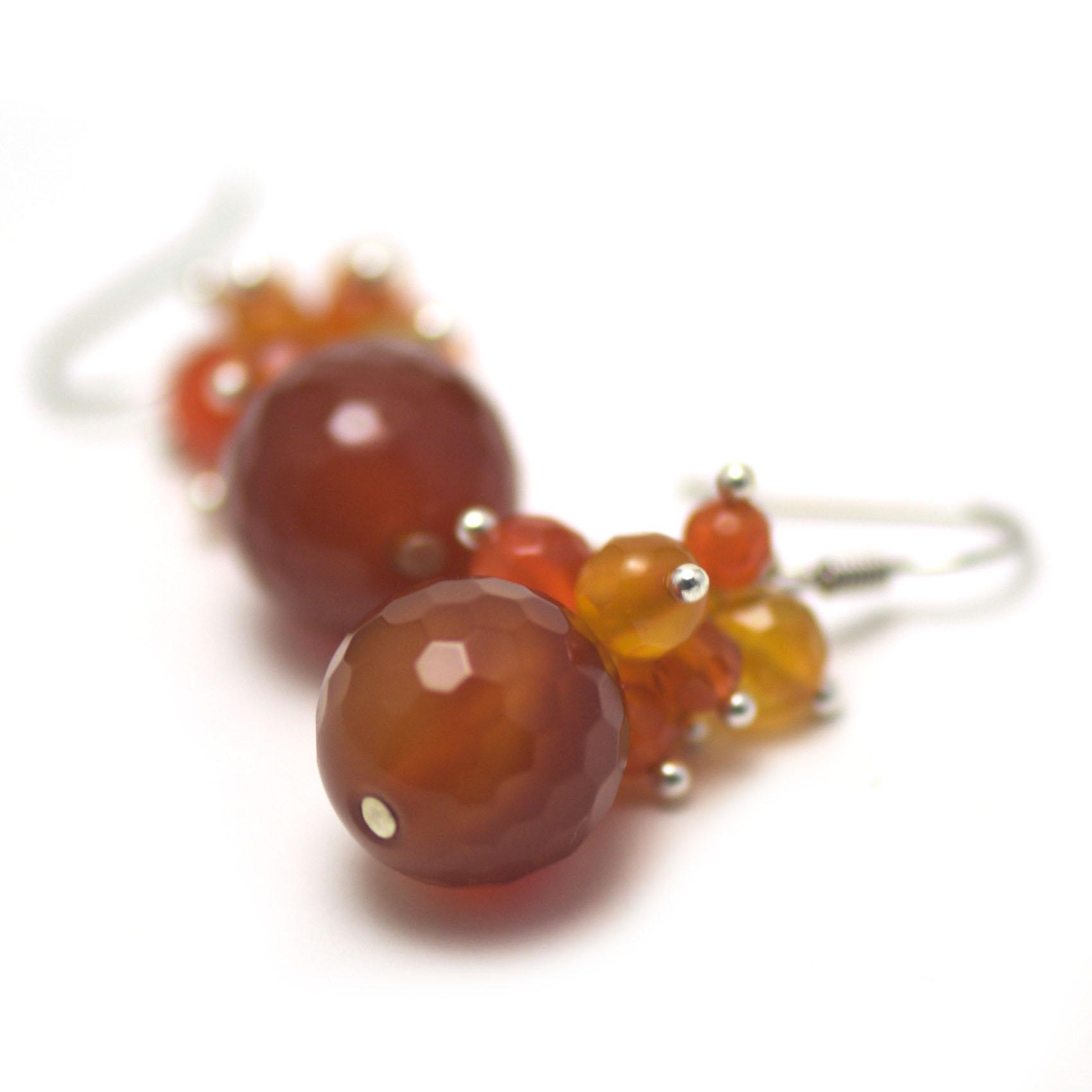 boucle d\'oreille cornaline ,  grappe de raisin - perle ronde facettée 14 mm