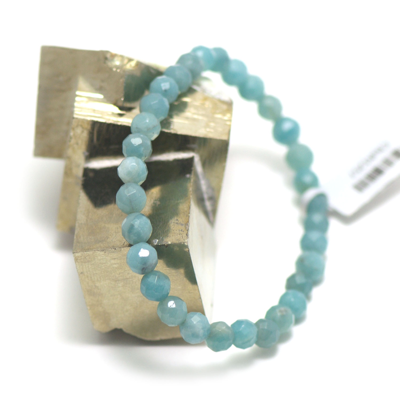 bracelet amazonite , perle ronde facettée 6 mm