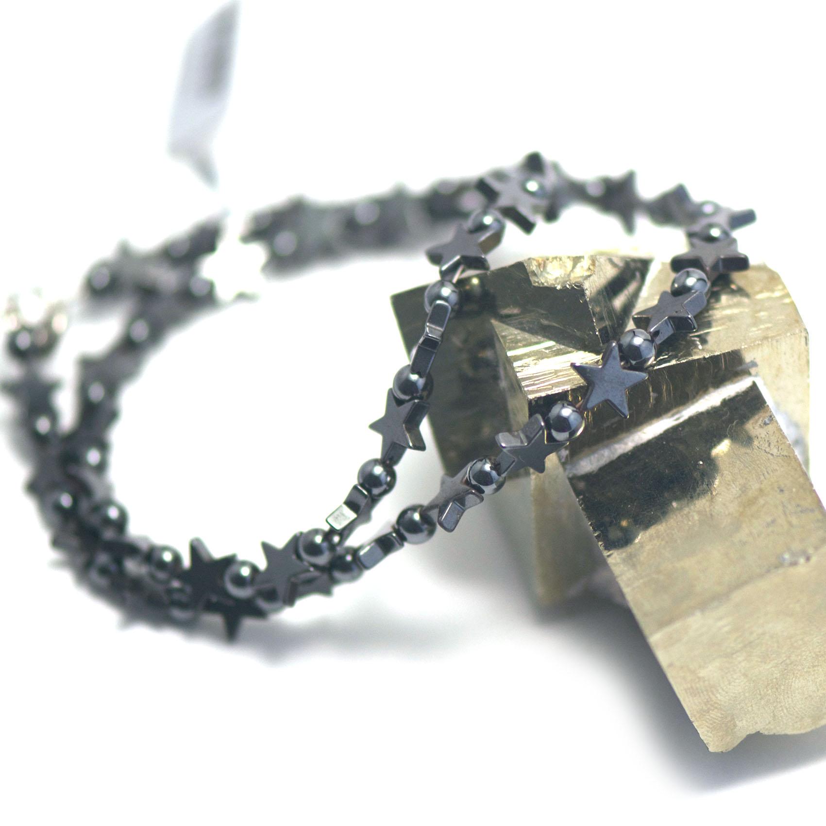 collier hématite , perles mini étoile - ronde 4 mm