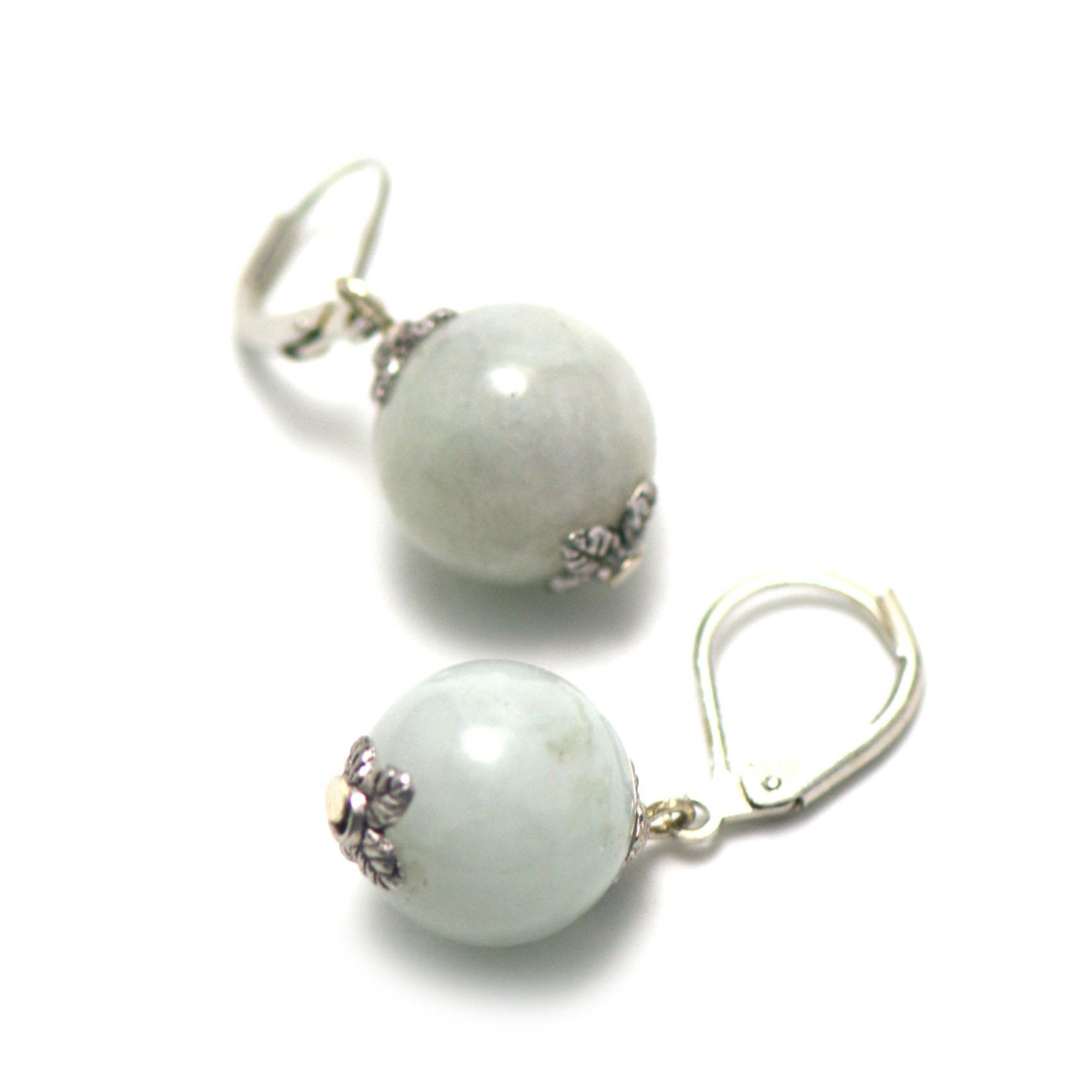 boucle d\'oreille jade ,  perle ronde 13 mm ,vert clair