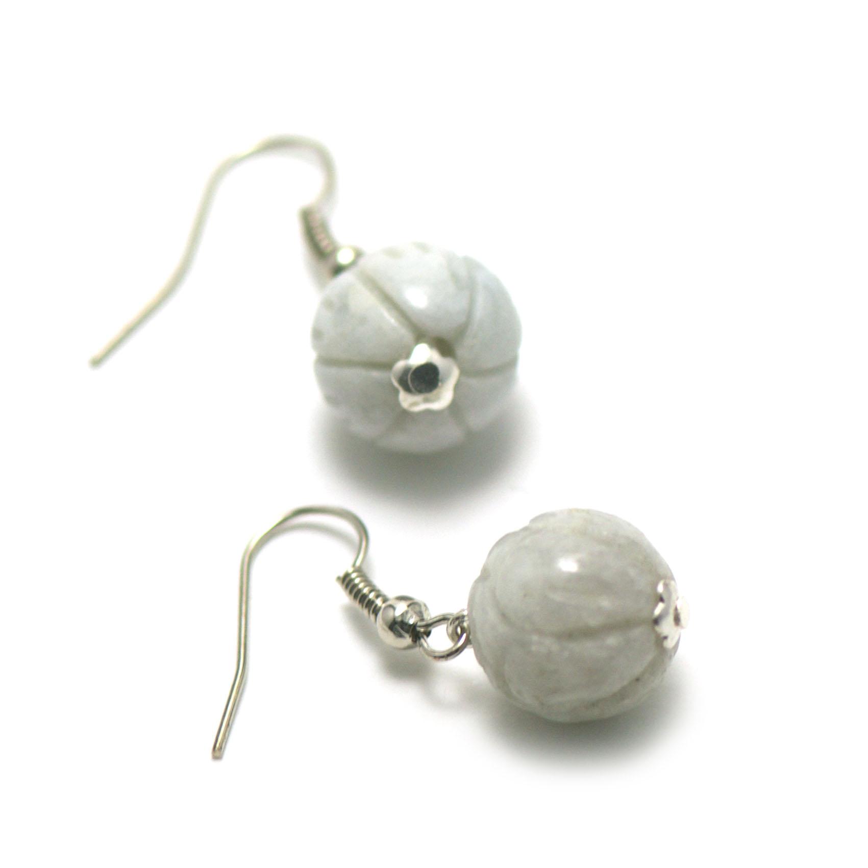 boucle d\'oreille Jade ,  perle lotus