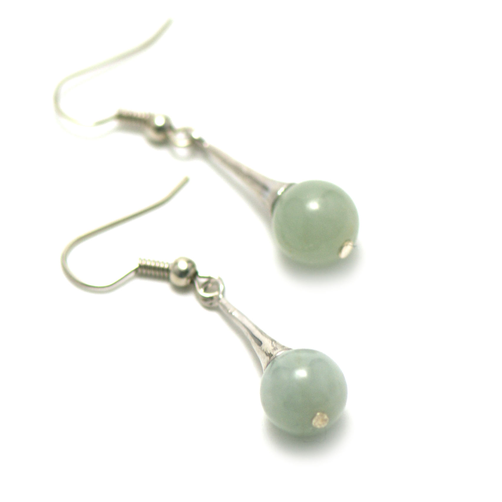 boucle d\'oreille jade ,  lustre - perle ronde 10 mm ,vert clair