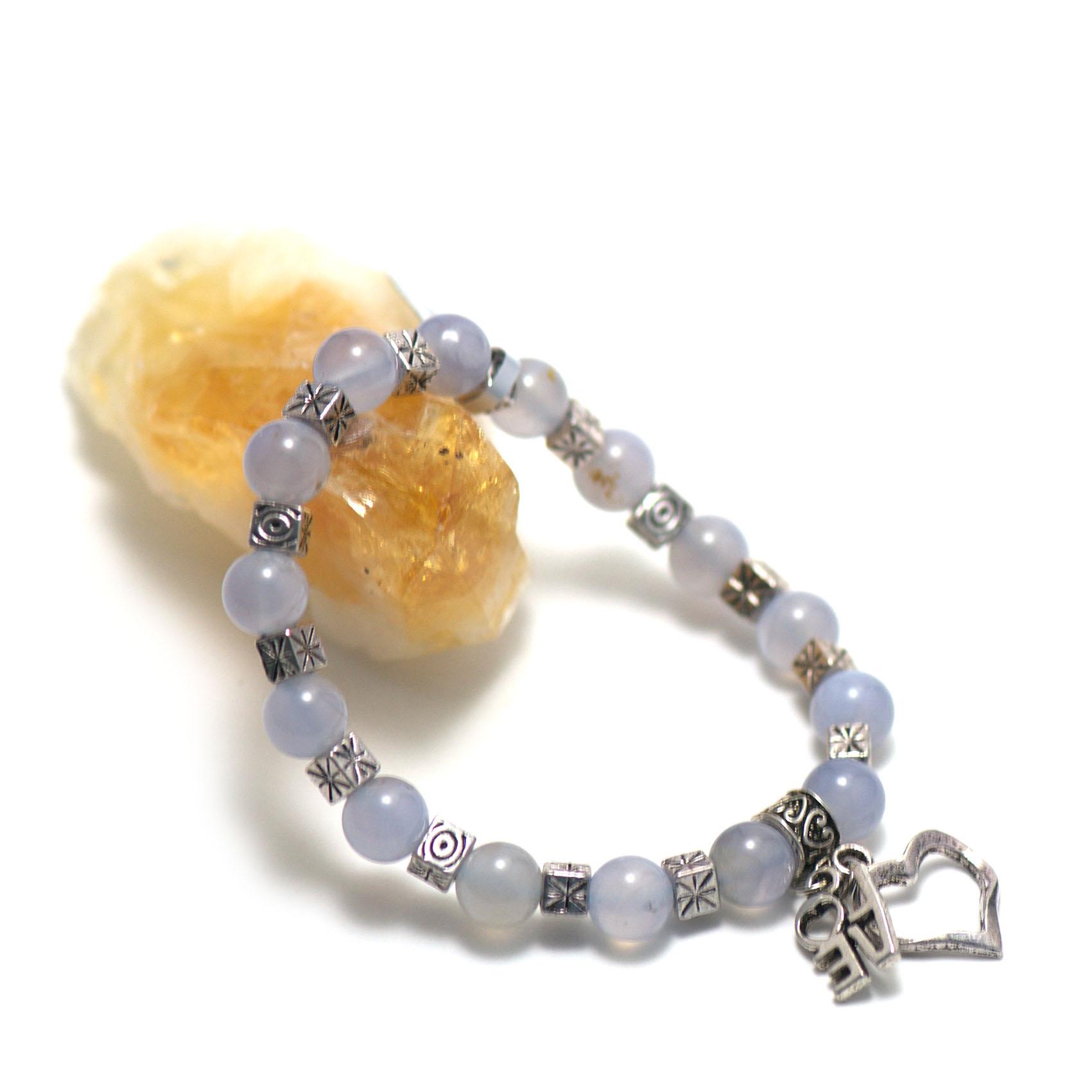 bracelet calcédoine bleue , création breloque - perle ronde 8 mm