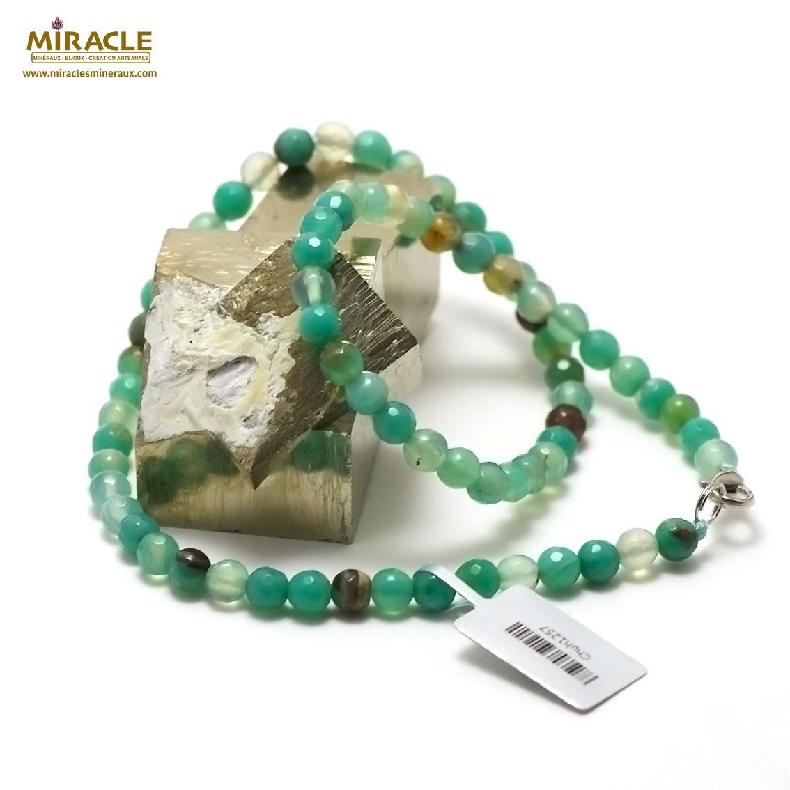 collier agate teinté vert menthe ronde facettée 6 mm