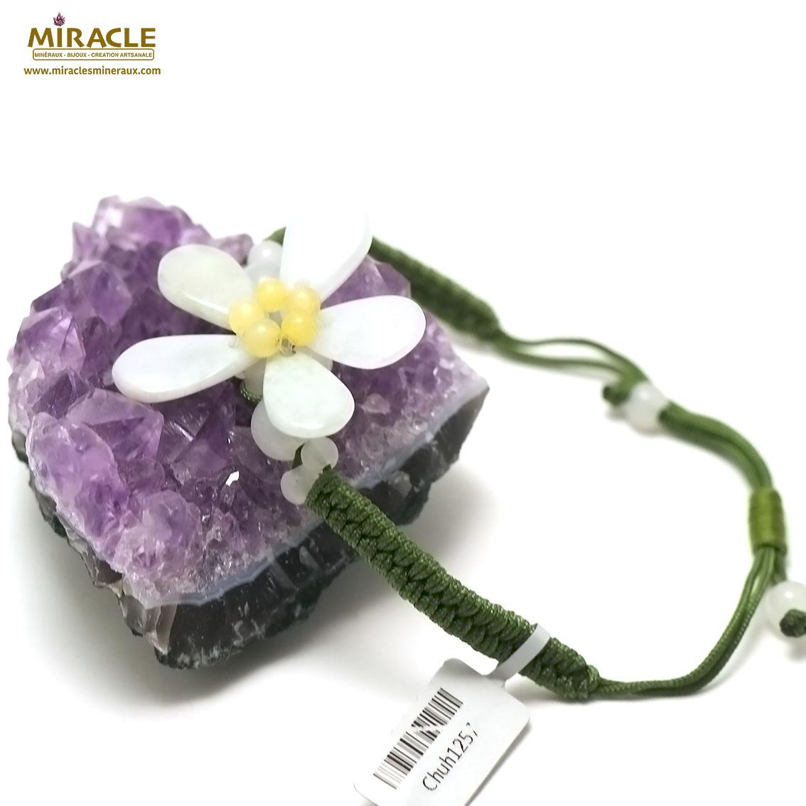 bracelet  jade sur cordon  fleur