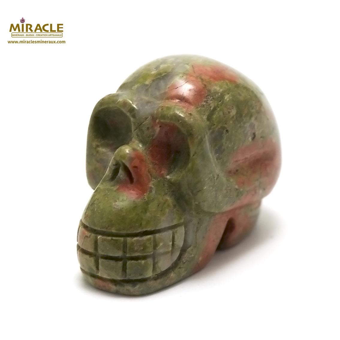 statuette minéraux crane skull en pierre naturelle d\'unakite