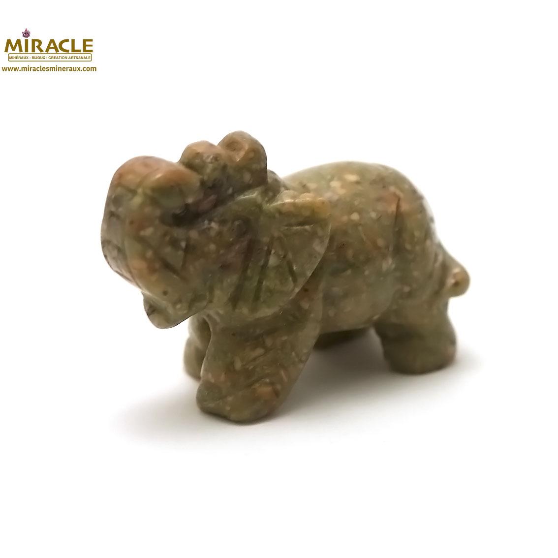 Magnifique statuette éléphant en pierre naturelle d\'unakite