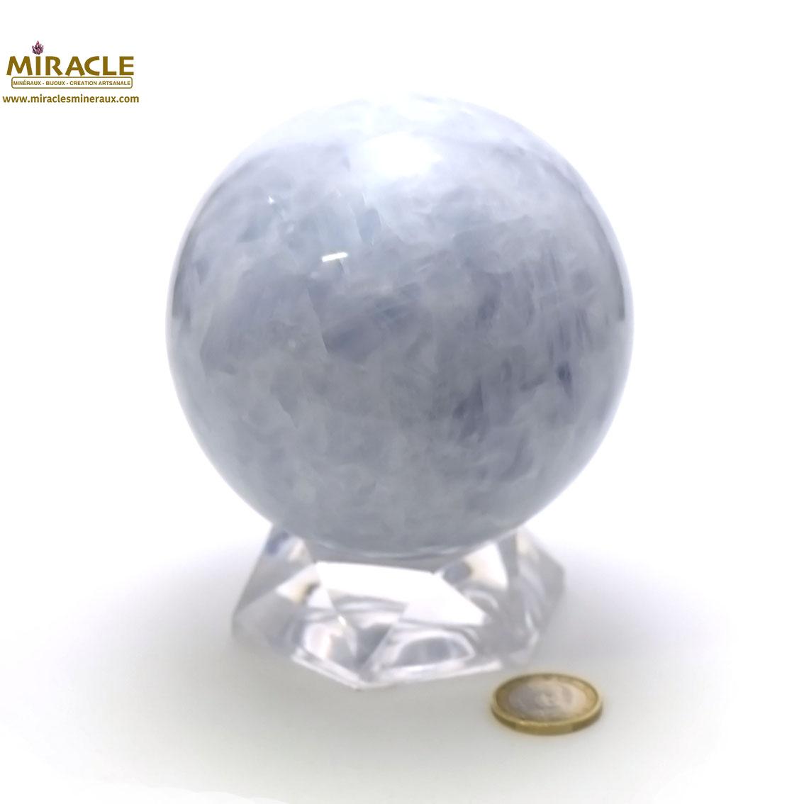 Superbe sphère minéraux en calcite bleu 9 cm
