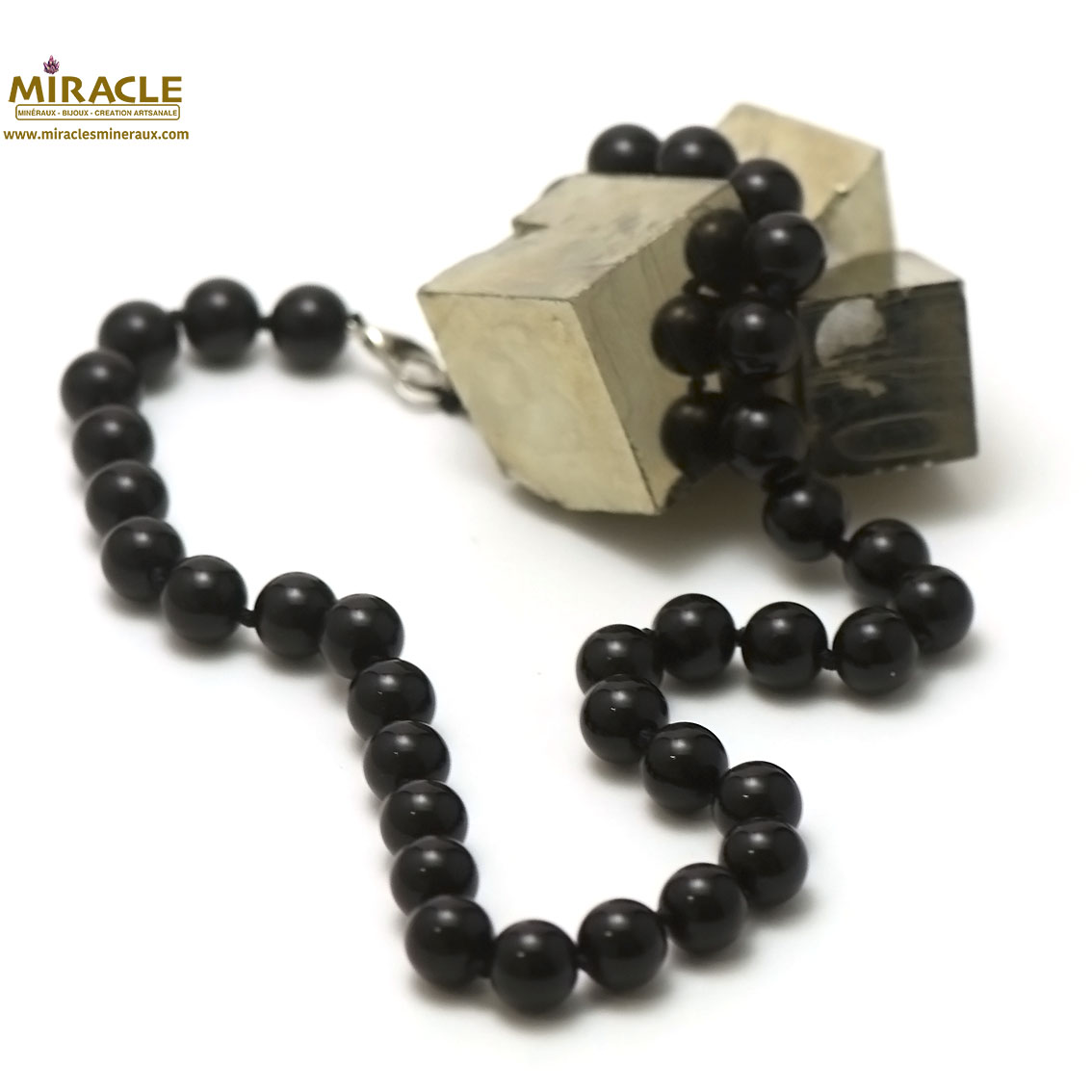 Collier onyx ,  perle ronde 10 mm