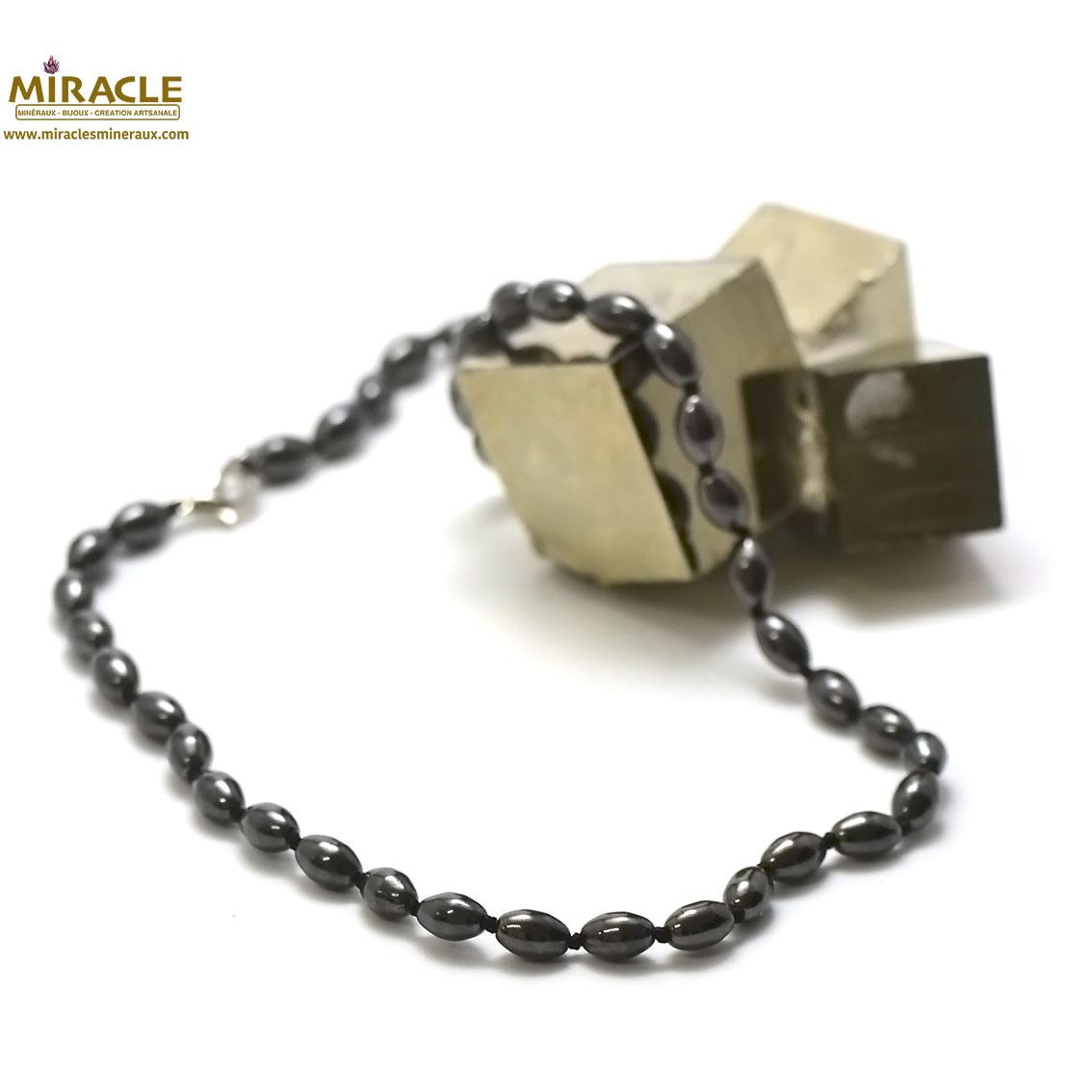 collier hématite , perle olive 8x6 mm