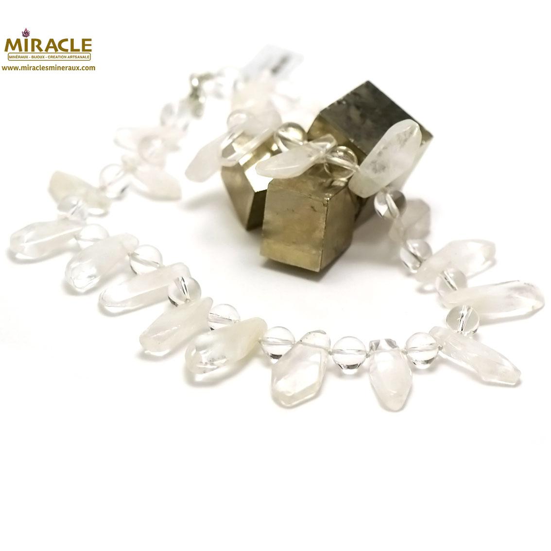 collier cristal de roche ,perle pointe baroque/perle ronde 10 mm