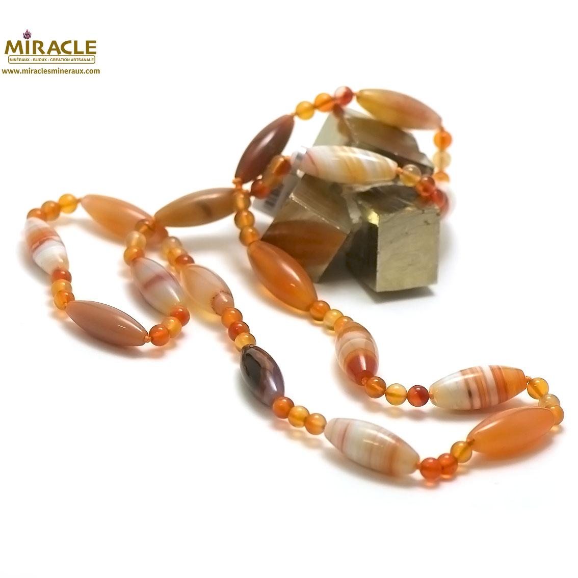 collier long/sautoir cornaline ,perle olive/triple ronde 6 mm