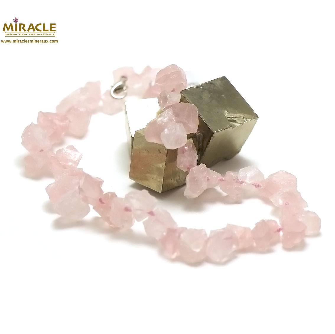 collier quartz rose, perle galet brut