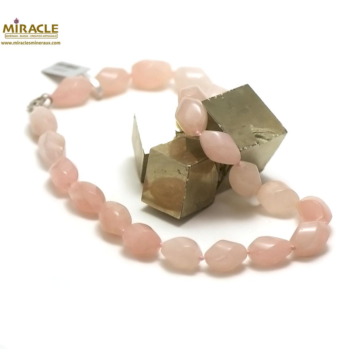 collier quartz rose , perle olive torsadée
