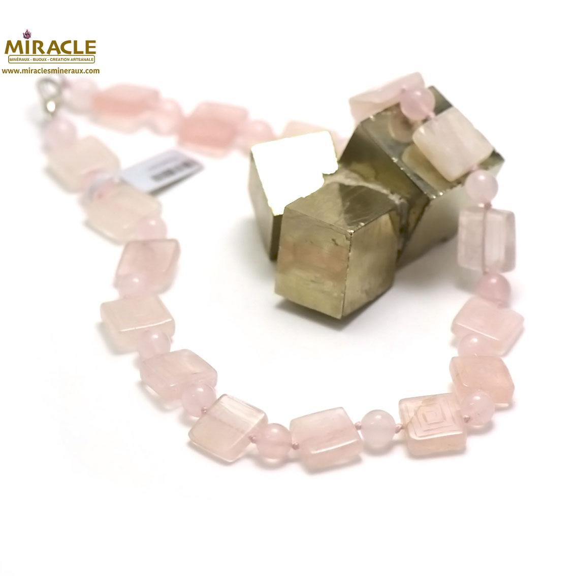 collier quartz rose, perle carrée motif /8 mm