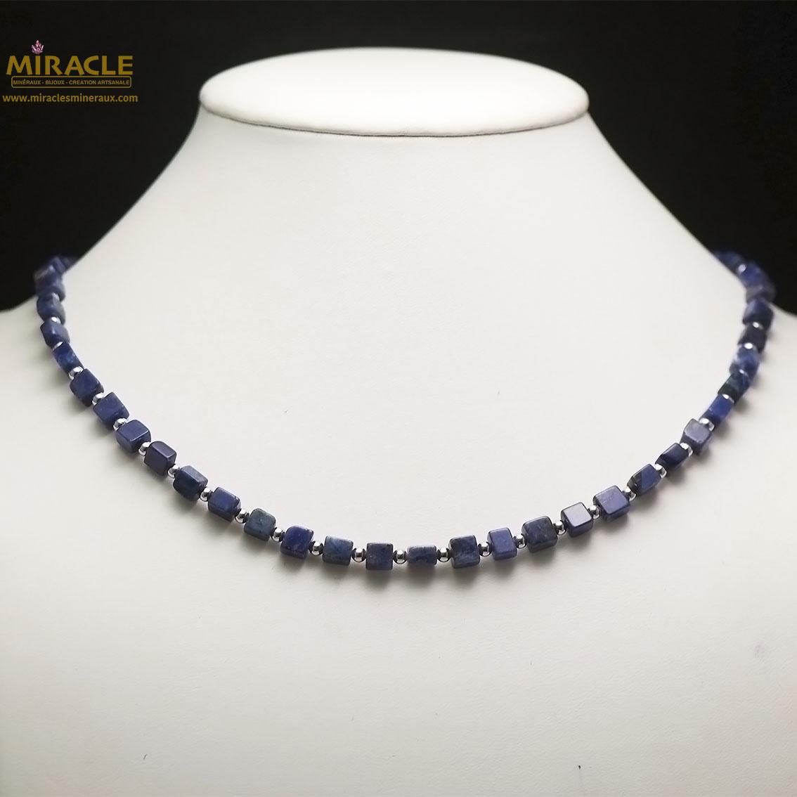 collier sodalite, perle carrée-perle argenté