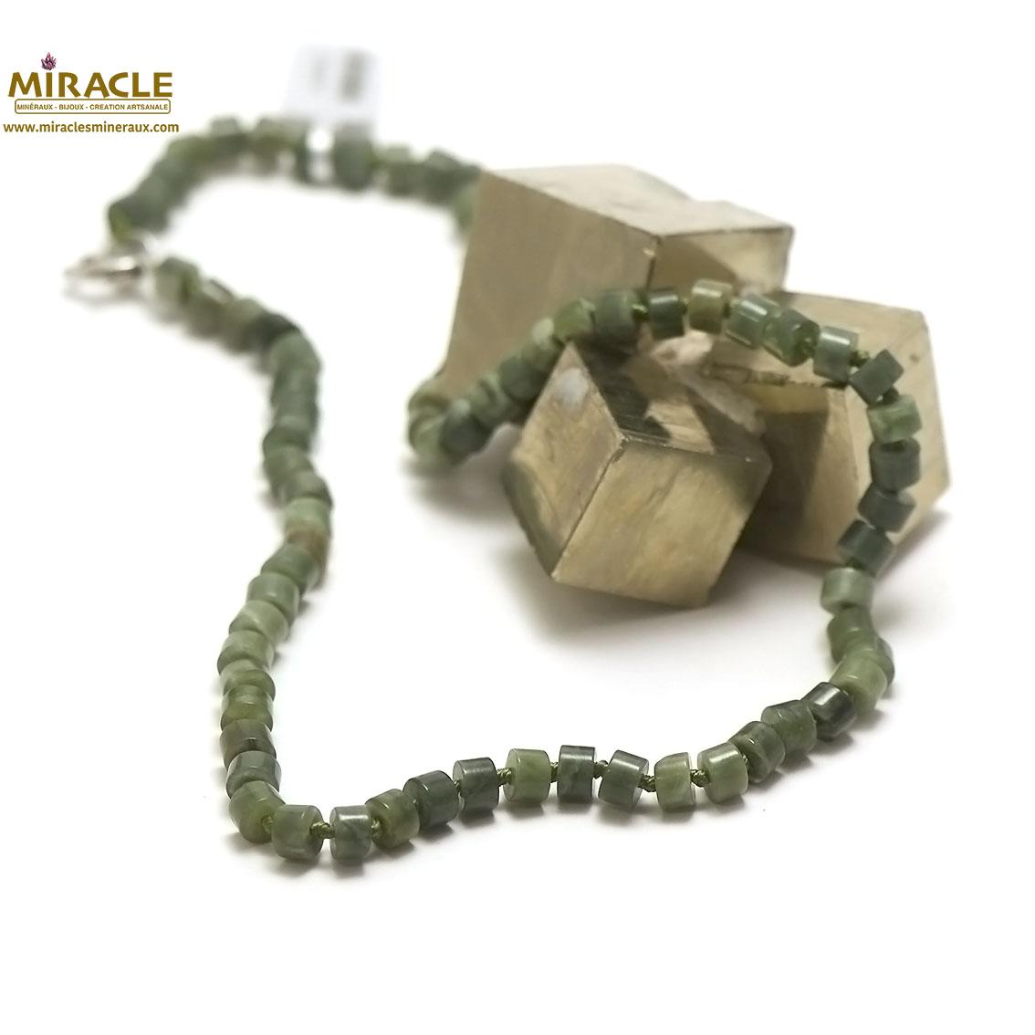 collier jade néphrite de Canada, perle rondelle