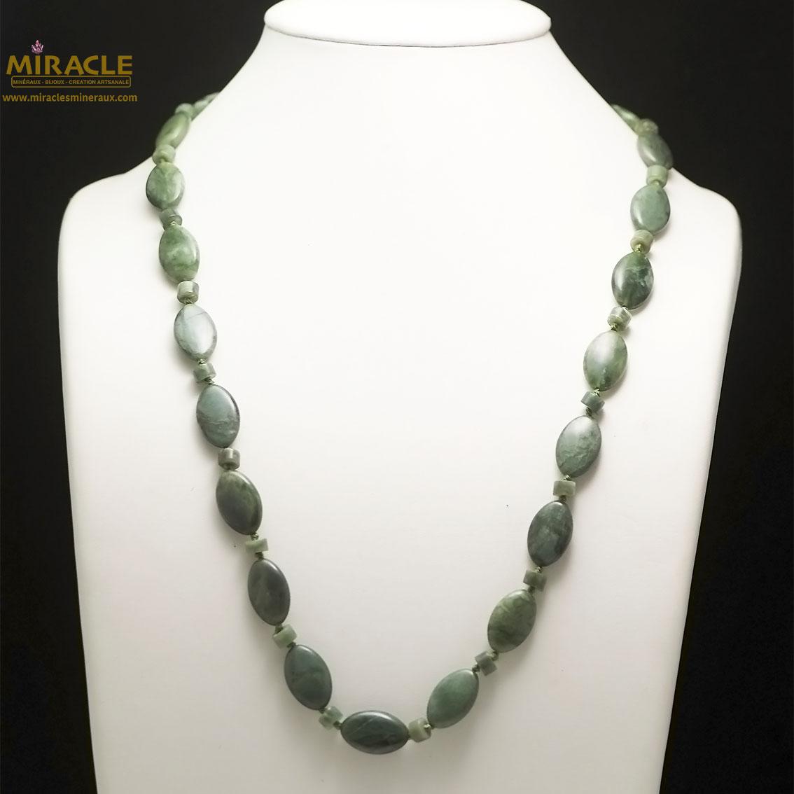 Collier long jade néphrite de Canada, perle palet oval/rondelle