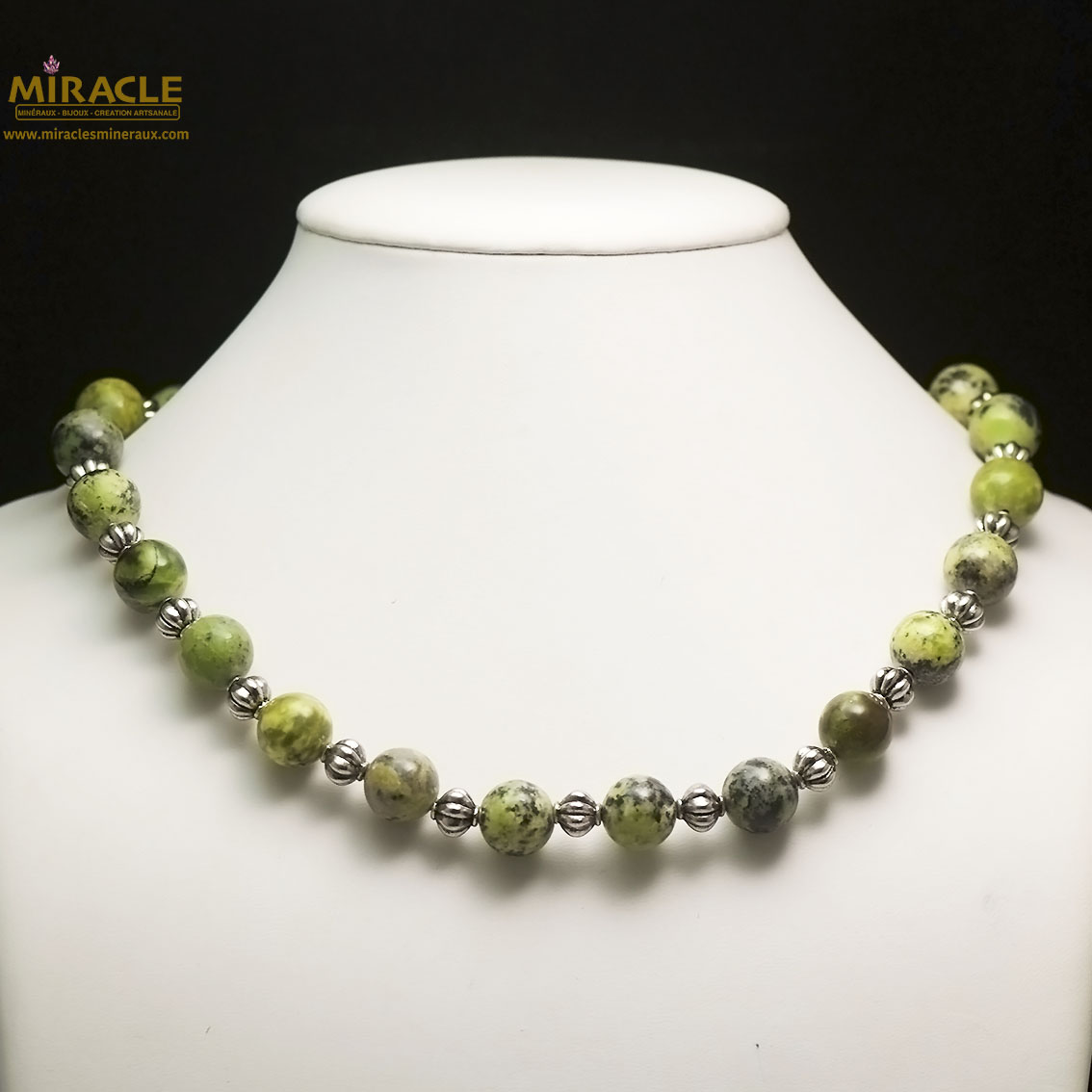 collier chrysoprase, perle ronde 12 mm-perle argentée