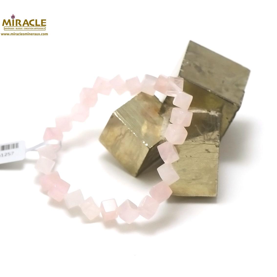 bracelet quartz rose ,perle cube diagonal