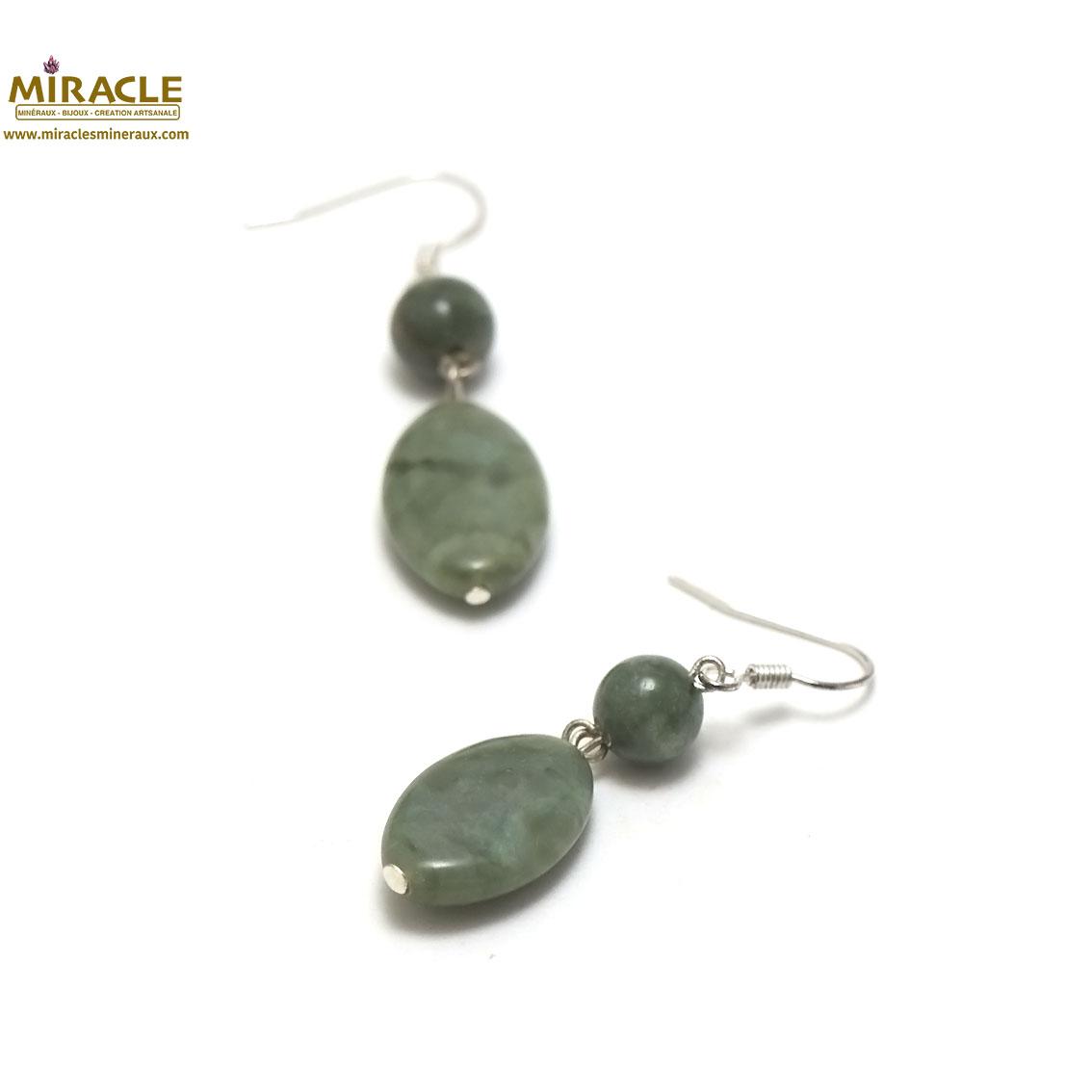 boucle d\'oreille jade néphrite de Canada, palet oval-ronde 10 mm