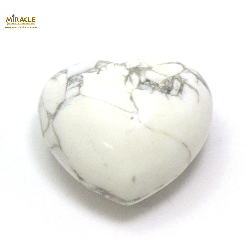 Magnifique statuette coeur en pierre naturelle d\'howlite
