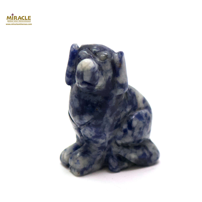 Magnifique statuette chien en pierre naturelle de sodalite