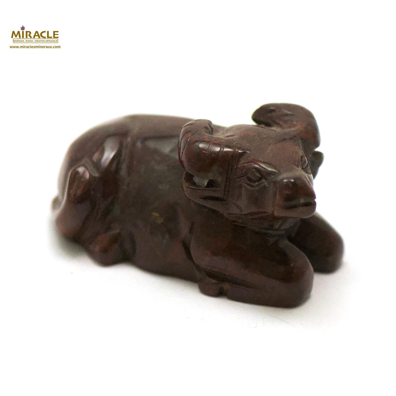 statuette minéraux buffle, jaspe mokaïte