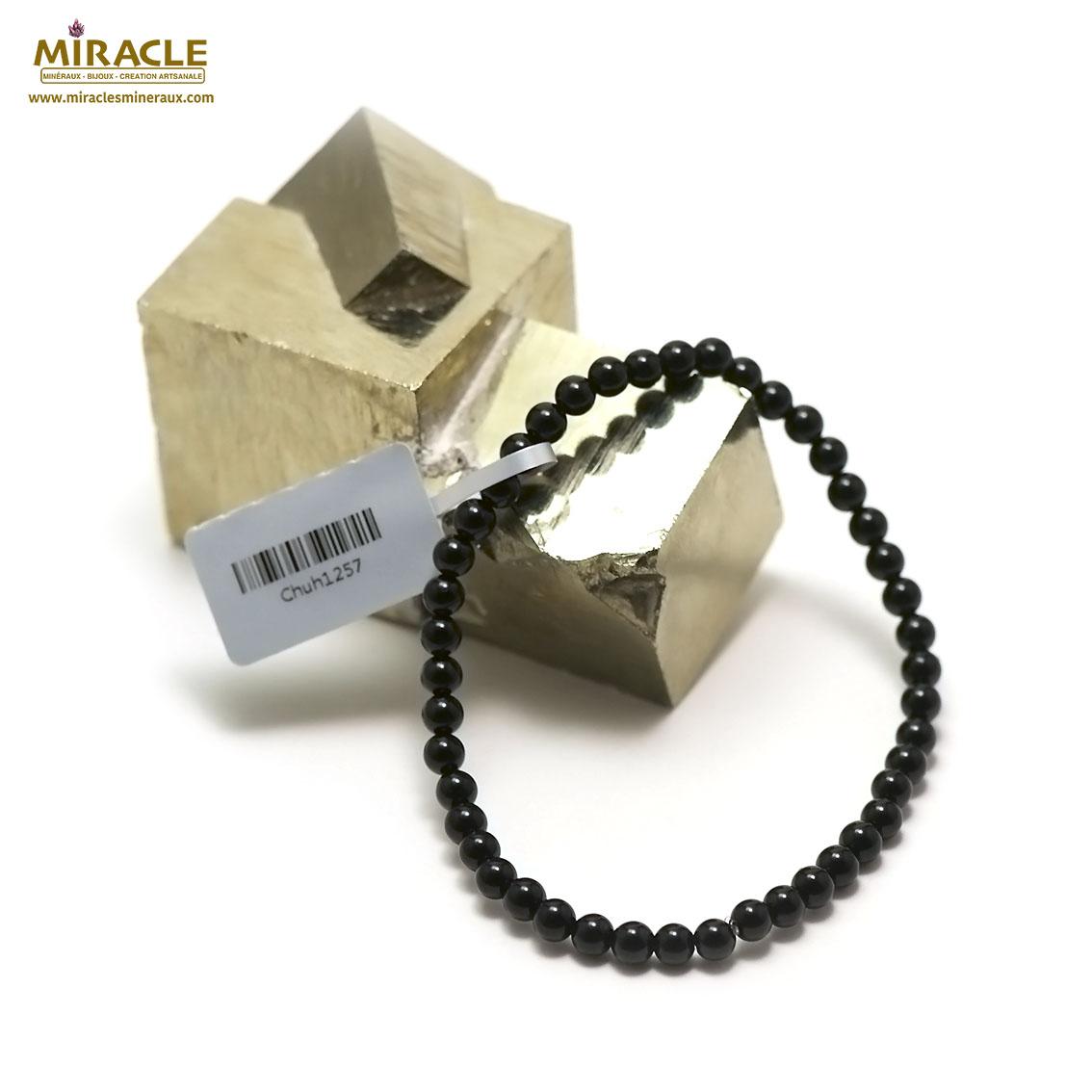 bracelet onyx , perle ronde 4 mm