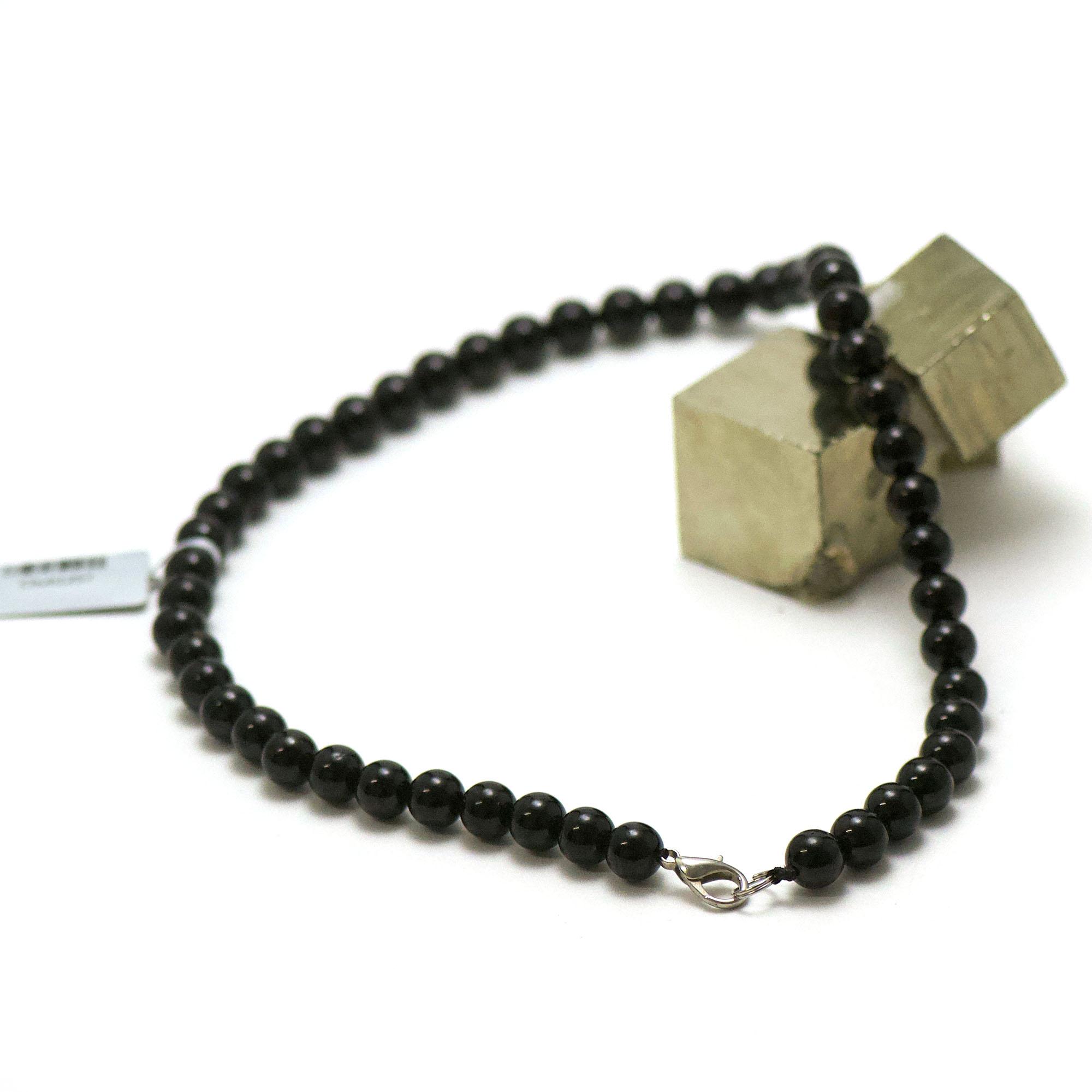 collier en tourmaline noir, perle ronde 8 mm