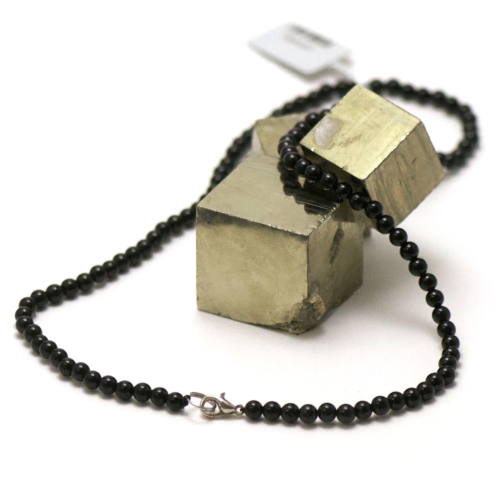 collier en tourmaline noir, perle ronde 4 mm