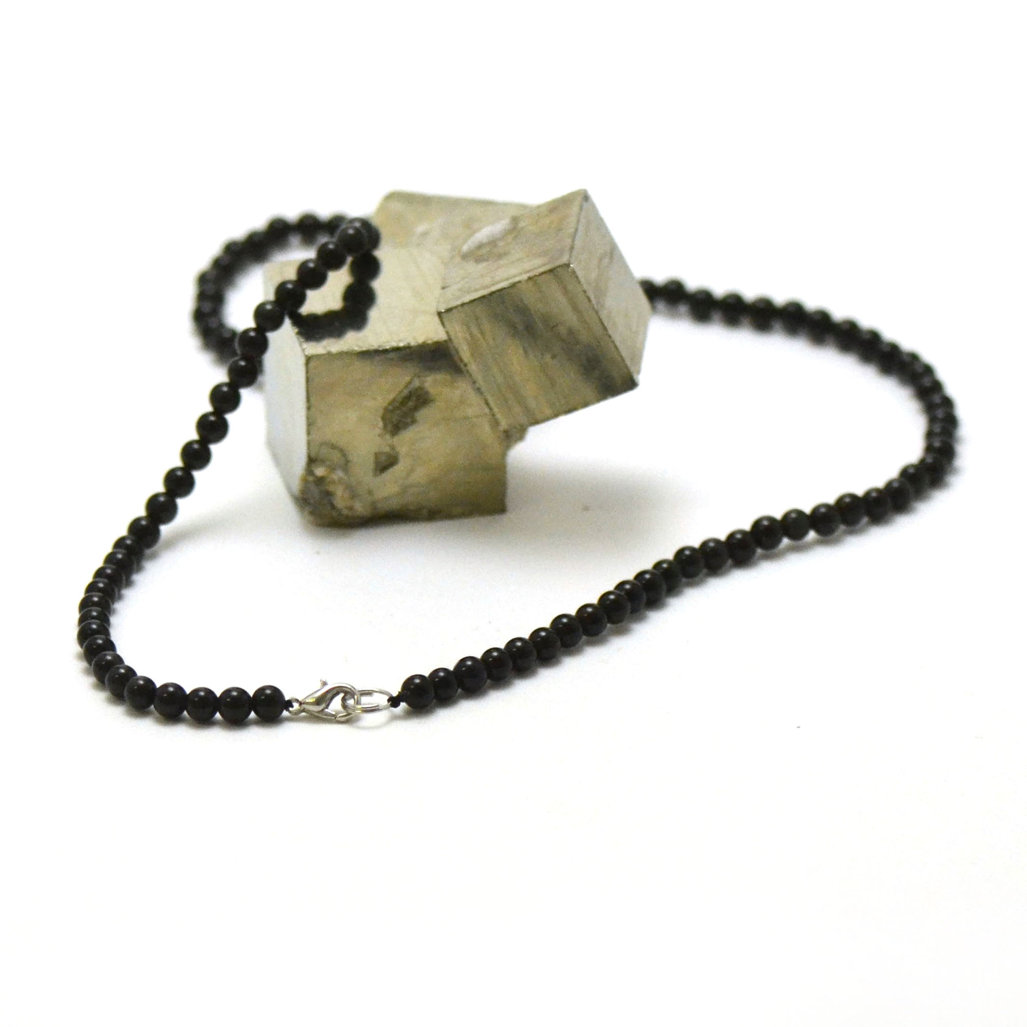 collier en obsidienne noir, perle ronde 4 mm
