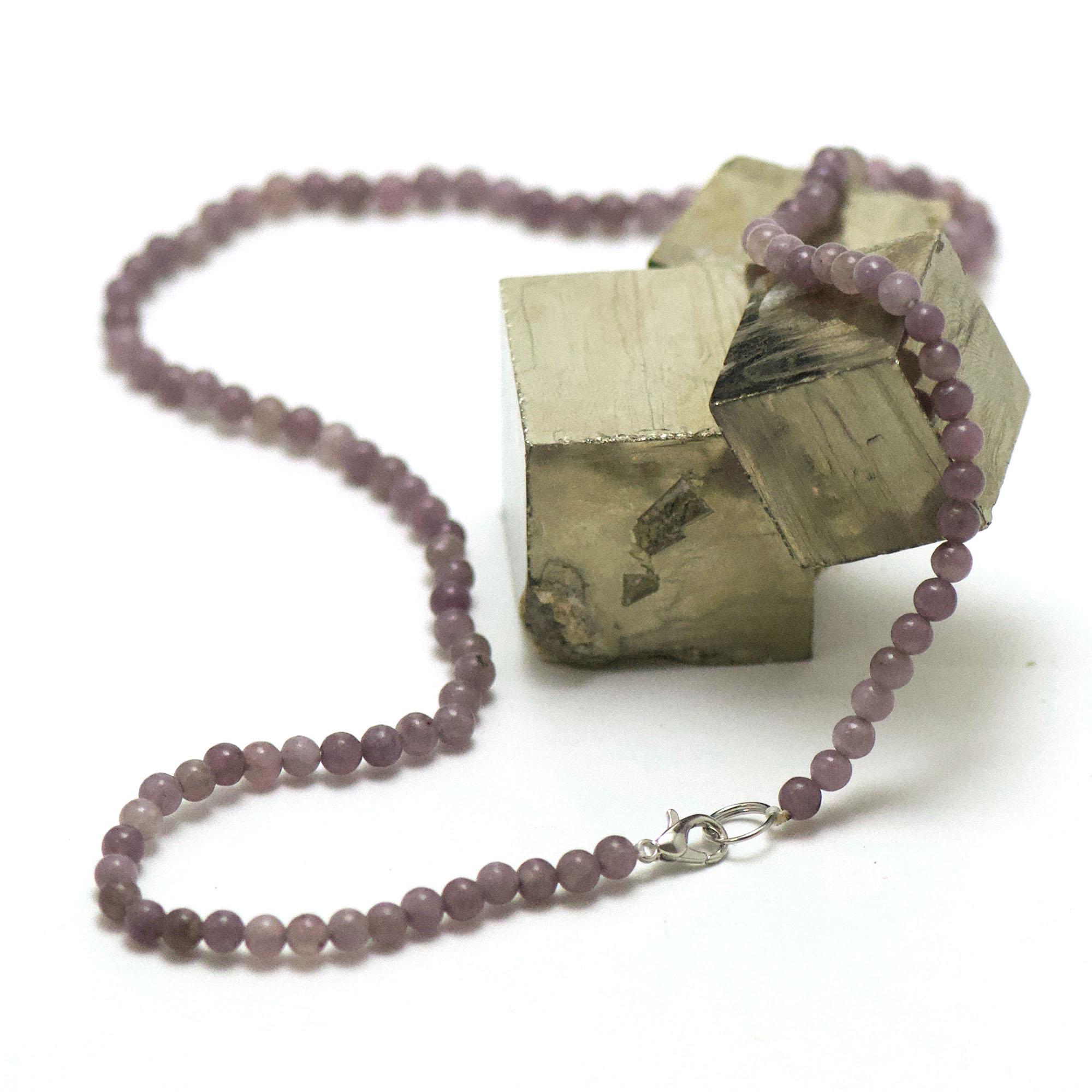 collier en lépidolite, perle ronde 4 mm