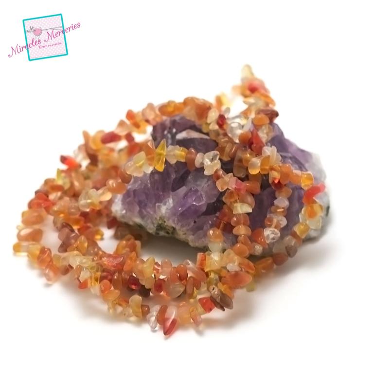 fil 84 cm env 440 perles de cornaline chips,pierre naturelle