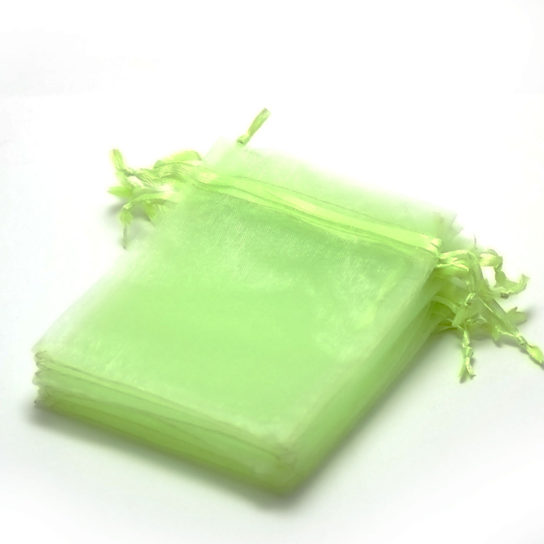 10 moyens pochettes cadeaux organza 120x95 mm,uni vert anis