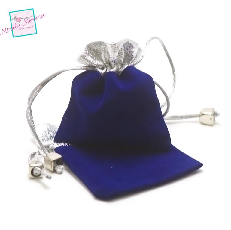 2 pochettes cadeaux en velours 9x8 cm, bleu/argenté