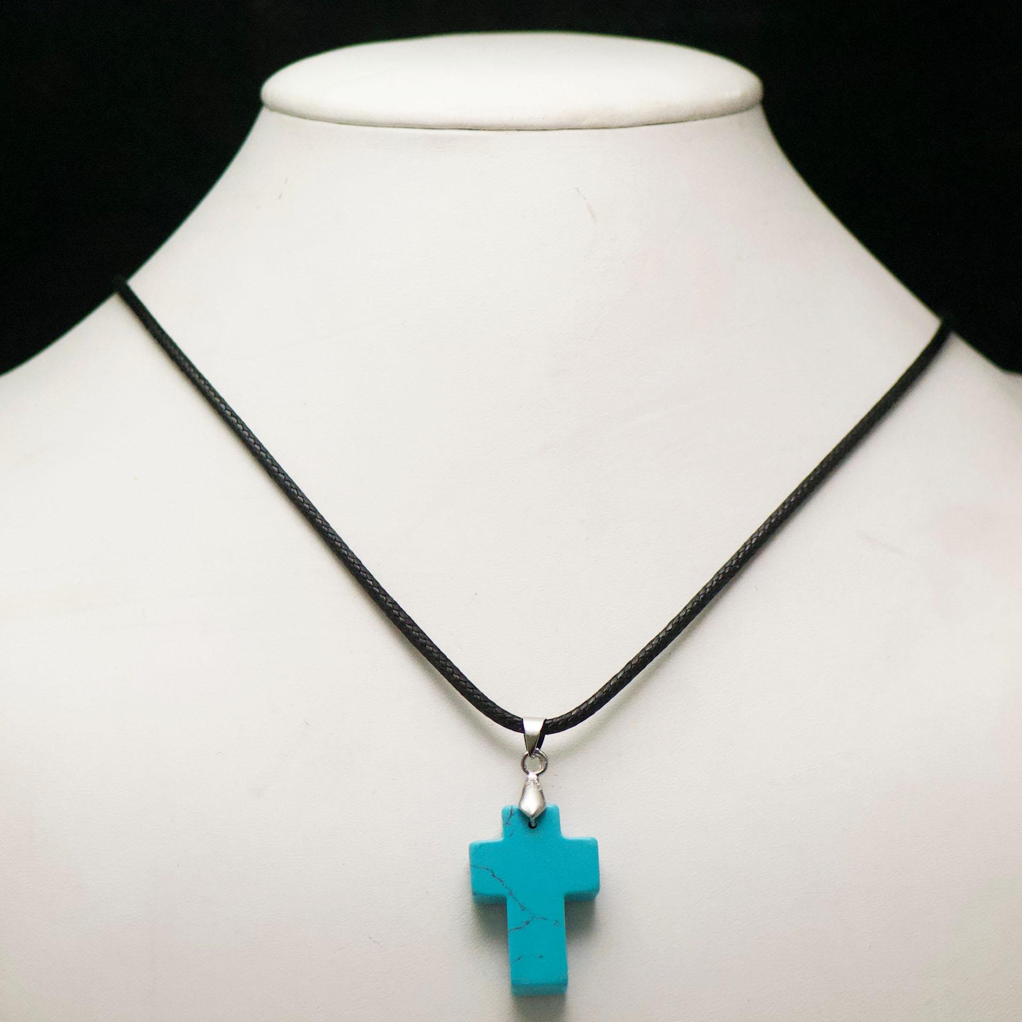1 pendentif pierre naturelle croix 30x20x7 mm, turquoise