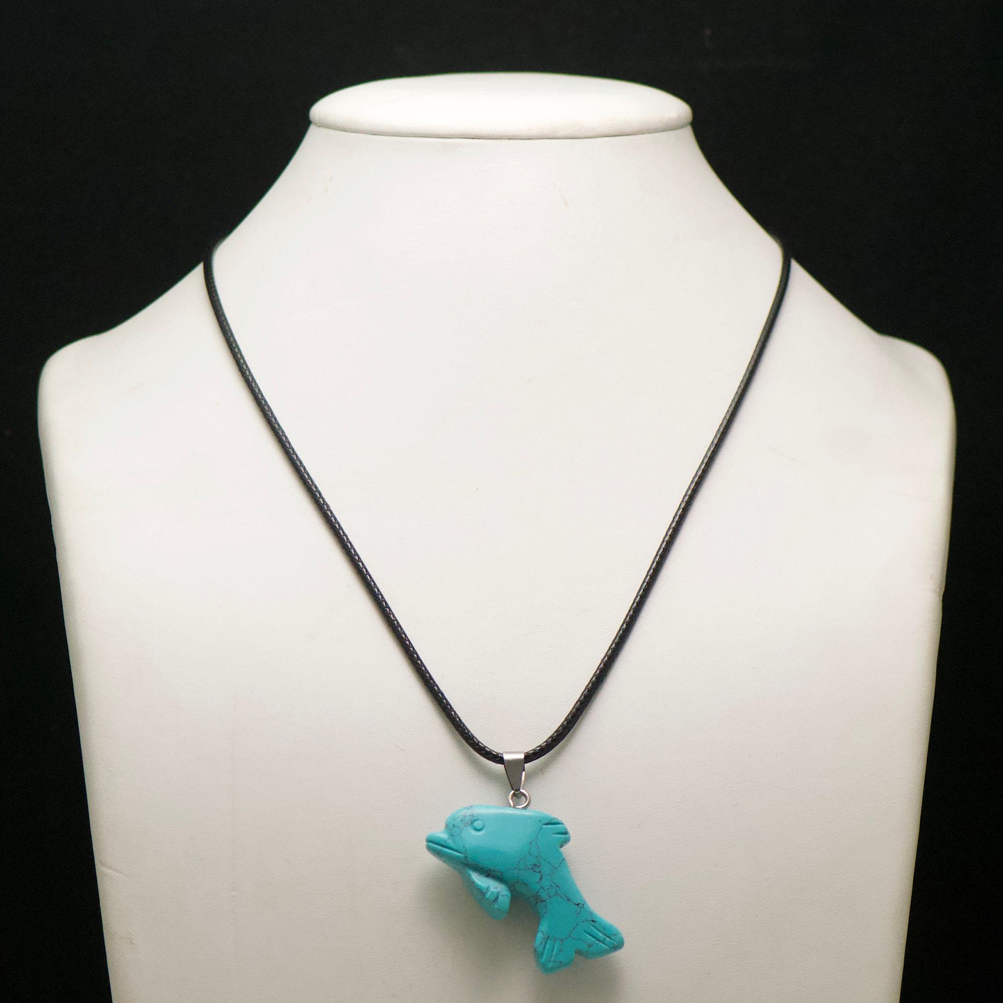 1 pendentif turquoise dauphin 45x24x9 mm, pierre minéraux naturelle