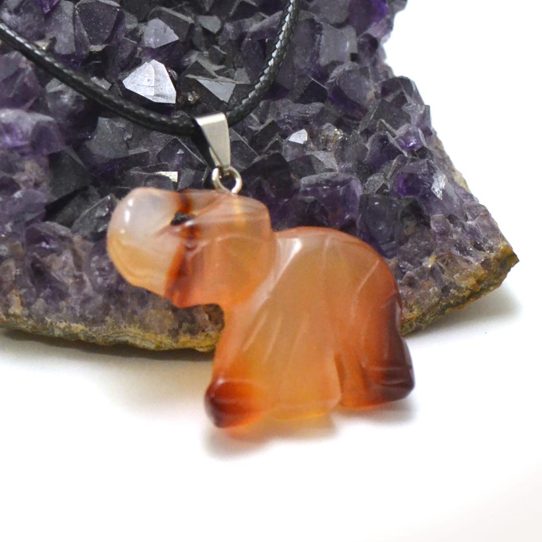 1 pendentif cornaline éléphant 40x32 mm, pierre minéraux naturelle