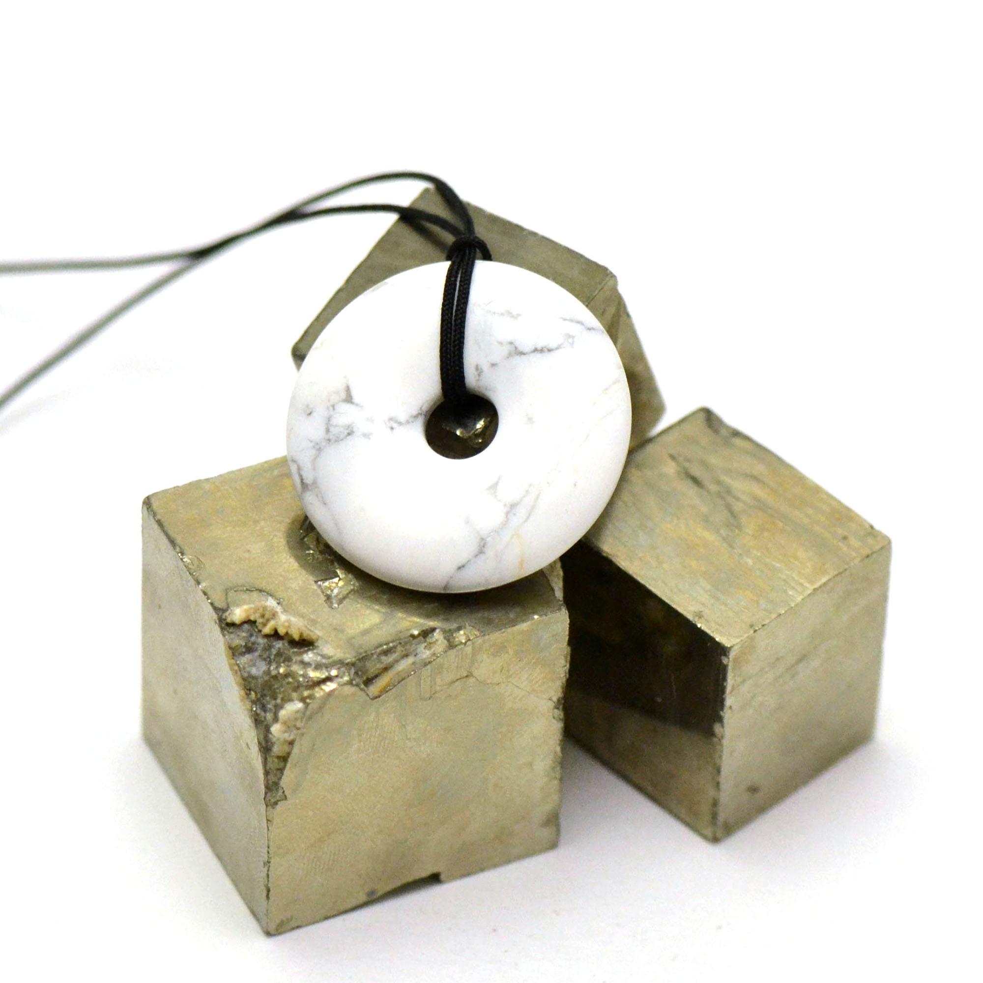 1 pendentif howlite donuts 30 mm, pierre naturelle